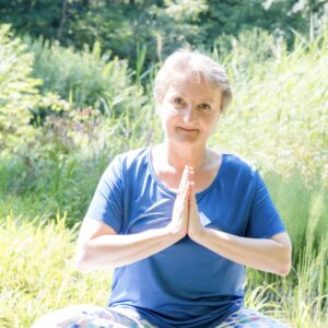 Cristina Teot in meditativer Pose.